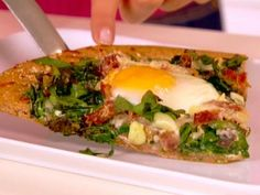 Get this all-star, easy-to-follow Egg, Ham and Spinach Pizza recipe from Ellie Krieger