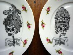 Geschirr- & Porzellan-Sets - Skull Teller Duo 'Royal Roses of Death' - ein Designerstück von frauines bei DaWanda