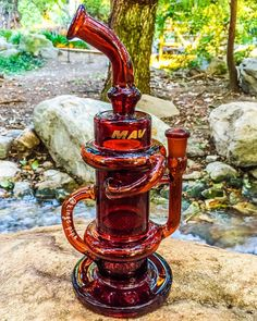 MAV GLASS - AMBER HONEYCOMB PERC KLEIN RECYCLER This cool Klein recycler from @mavglass is available for purchase on our online smoke shop! KINGS-PIPE.COM #KINGsPIPE