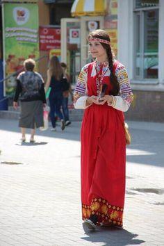 Студентки неделю носили русские народные костюмы. Последствия любопытны   Блог Kыскыc   КОНТ