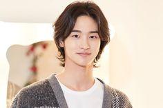 Asian Actors, Korean Actors, Arin Oh My Girl, Military Service, Kdrama Actors, Scary Stories, Korean Celebrities, How To Look Pretty, Actors & Actresses