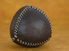 Mira este artículo en mi tienda de Etsy: https://www.etsy.com/listing/215627790/juggling-leather-ball