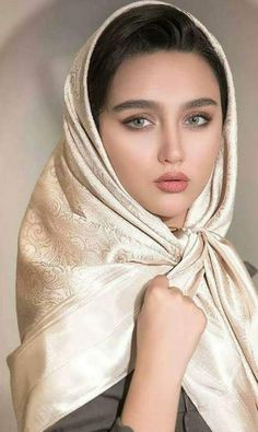 Photography: Modern Muslim woman in Hijab with beautiful eyes and eyelashes Beautiful Muslim Women, Beautiful Hijab, Gorgeous Women, Beautiful Eyes, Iranian Beauty, Muslim Beauty, Iranian Women, Beauty Full Girl, Beauty Women