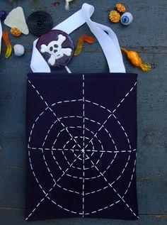 diy-spider web treat bag