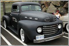Ford pick up 1949 Vintage Pickup Trucks, Classic Ford Trucks, Old Ford Trucks, Chevrolet Trucks, Lifted Trucks, Diesel Trucks, 4x4 Trucks, Lifted Ford, Ford Diesel
