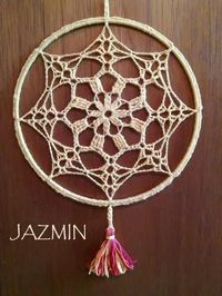 Crochet Earrings Pattern, Crochet Mandala Pattern, Crochet Doilies, Crochet Patterns, Web Patterns, Crochet Mandela, Diy Dream Catcher Tutorial, Dream Catcher Patterns, Crochet Dreamcatcher