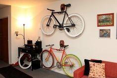 Elegancki uchwyt na rower do powieszenia na ścianie