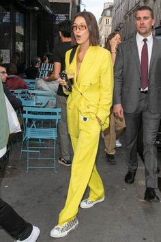 Celebrity Style Photos Bella Hadid in the cool yellow suit for women which is one of the biggest fashion trends of Big Fashion, Look Fashion, Fashion Outfits, Womens Fashion, Fashion Trends, Yellow Fashion, Fashion Hacks, Modest Fashion, Fashion Bloggers