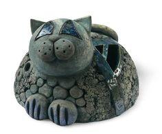 Ceramic cat by Eva Trbušková Ceramic Light, Ceramic Art, Paper Mache Sculpture, Ceramic Animals, Yarn Bowl, Cat Mug, Cat Crafts, Animal Sculptures, Clay Creations