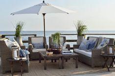 Bilderesultat for terrasse møbler lounge Teak Outdoor Furniture, Garden Furniture, Porches, Tropical, Cottage, Outdoor Living, Outdoor Decor, Pergola Designs, Outdoor Areas