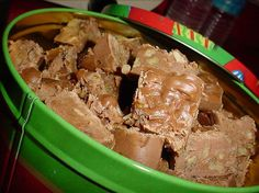 Paula Deen s 5 Minute Fudge from Food.com:   								Paula Deen is a wonderful cook. She makes down home comfort food. Everything she makes is mouth watering. This fudge is very good and easy to make!