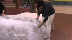 Holy Cow! Watch how to easily put on a duvet cover! This is so easy and quick!