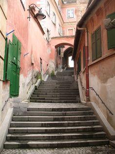 Piața Aurarilor. Sibiu, Romania. Transylvania medieval city. Sibiu Romania, Medieval, Stairs, Europe, City, Travel, Scenery, Stairway, Viajes