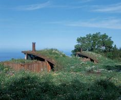 Informed by rock cliff, shattered sea and wind torn cypress, the  architecture of Mickey Muennig seems to have grown organically from the  epic wild of his beloved Big Sur.