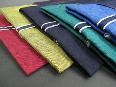 Common weft colors: indigo, brown, olive green, and yellow.