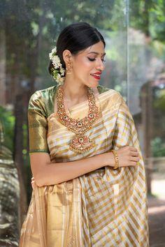Kerala Saree, Indian Sarees, Silk Sarees, Saris, South Indian Bride, Indian Bridal, Blouse Patterns, Blouse Designs, Traditional Sarees