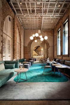 <p>Upon entering the Beta Bar in Sydney, visitors go through an atrium reminiscent of the architecture of Ancient Greece. Designed by Paul Papadopoulos of design studio DS17 , the concept was to creat