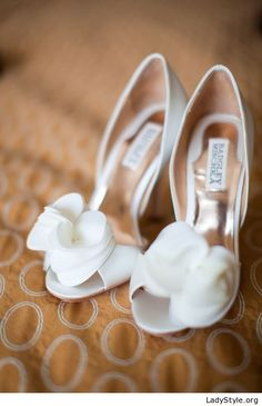 White shoes with application for the bride - LadyStyle