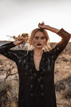 Best Ideas For Dress Fashion Photography Bohemian Creative Portrait Photography, Photography Poses Women, Autumn Photography, Editorial Photography, Fashion Photography, Bohemian Photography, Photography Ideas, Desert Fashion, Boho Fashion