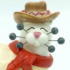 Amy Lacombe WhimsiClay TEX Cowboy Cat Figurine 86060 retired 2002  #AmyLacombe #WhimsiClayCat #LacombeTexCat