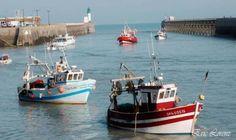 3 مراكب صيد تونسية تجابه الاعيرة النارية مدة 3 ساعات والجيش البحري على الخط