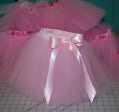 A Tutu Tutorial. A Tututorial? This is the tutu skirt tutorial that I have been looking for. It is detailed and is not the knot version on elastic. Should you love sewing you really will enjoy me Sewing Hacks, Sewing Tutorials, Sewing Crafts, Sewing Projects, Sewing Patterns, Tutorial Sewing, Sewing For Kids, Baby Sewing, Sewing Clothes