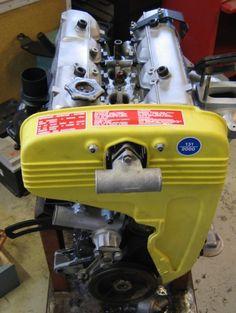 Fiat 124 Sport Spider, Fiat 124 Spider, Fiat Cars, Fiat Abarth, Classic Sports Cars, Automotive Art, Rat, Ideas Para, Engineering