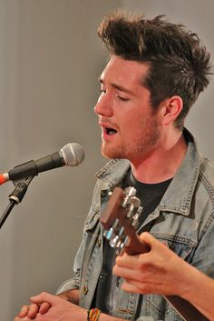 On Saturday 28 September British band Bastille, as part of the band's first US tour, played an acoustic set at the embassy. Music is GREAT Britain! Dan Smith, Dan Campbell, Kyle Simmons, Bae, Singing Career, Bad Blood, Imagine Dragons, Cool Bands, Getting Old