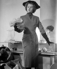 Myrna Loy 1948 Thin Man Movies, Old Movies, Vintage Movies, Vintage Hats, Hollywood Glamour, Hollywood Actresses, In Hollywood, Classic Actresses, Classic Movies