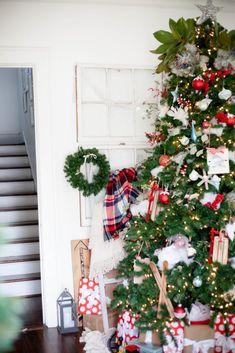 A Traditional Christmas   Merry Christmas Home Tour - Restless Arrow