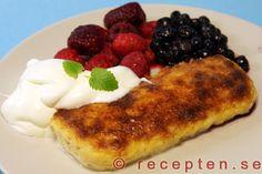 Ostkaka - Recept på egen hemmagjord ostkaka, ljuvligt god. Följ bara de beskrivande bilderna så är det enkelt att lyckas med sin ostkaka.