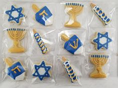 Your place to buy and sell all things handmade Hanukkah Cookies / Chanukah Cookies Cookie Cake Pie, Cookie Favors, Cookie Gifts, Hannukah Cookies, Christmas Cookies, Royal Icing Cookies, Sugar Cookies, Hanukkah For Kids, Perfect Cookie