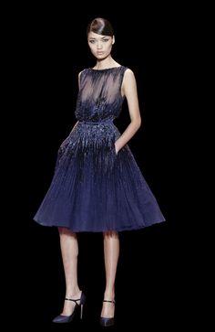 Curtos também tiveram sua vez na coleção de Elie Saab - vestidos para convidadas de casamento Elie Saab