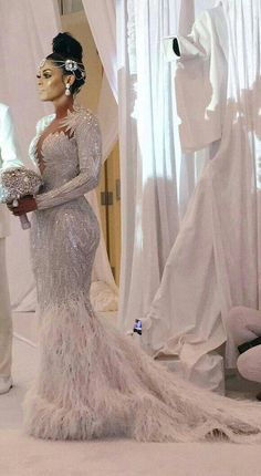 Brides on a budget can have inspired wedding dresses made & recreations of haute couture bridal designs produced here in the USA. Beautiful Wedding Gowns, Dream Wedding Dresses, Bridal Dresses, Beautiful Dresses, Bridesmaid Dresses, Mode Style, Wedding Attire, Wedding Styles, Wedding Inspiration