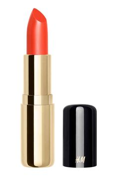 Matte lipstick: A richly pigmented lipstick with a matte, velvety finish and easy one-stroke application. The moisturising formula combines natural oils with conditioning vitamin E for a soft and supple feel. 3.8 g. How to use: Apply on clean lips either alone or after lip primer.