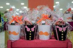 Baldinhos Mundo Bita com guloseimas Maria Valentina, Tin Can Crafts, Lucca, Kawaii Shop, Baby Party, Cake Smash, 2nd Birthday, Decoration, Alice