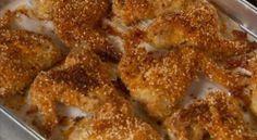 Хрустящие куриные крылышки  Чего греха таить – все мы любим «Макдональдс». Есть у них замечательное блюдо — хрустящие куриные крылышки, ну очень вкусно. А оказывается такое удовольствие, в стиле фаст-фуд, можно приготовить дома.