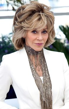 Jane Fonda with a layered chin length hairstyle at the2016 Tribeca Film Festival. Description from sophisticatedallure.com. I searched for this on bing.com/images