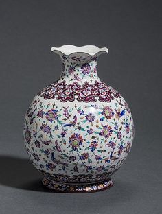 VASE WITH BLOSSOMS-BIRD DECOR