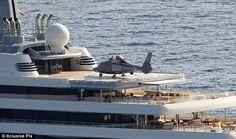roman abramovich yachts | Pregnant Dasha Zhukova and Roman Abramovich arrive on luxury yacht by ...