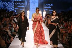 The dream of every Indian women comes true with SWATI AND SUNAINA's collection at #Lakmefashionweek