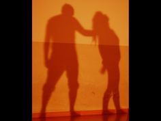 """Effetto """"ombre cinesi"""" del rapporto tra attori in una scena"""