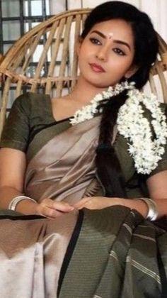Beautiful Girl In India, Beautiful Blonde Girl, Most Beautiful Indian Actress, Beautiful Asian Girls, Beautiful Saree, Beautiful Women, Indian Natural Beauty, Indian Beauty Saree, Asian Beauty