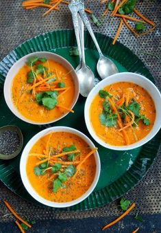 Spicy gulrotsuppe med kokosmelk Veggie Recipes, Soup Recipes, Dinner Recipes, Cooking Recipes, Veggie Food, Vegetarian Dinners, Vegetarian Recipes, Healthy Recipes, Food Inspiration