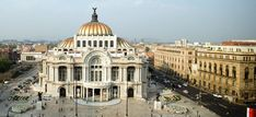 Wouldn't it be great to see something in the theater at el Palacio de Bellas Artes!