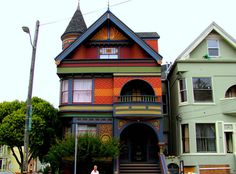 Guided Tour of Victorian Homes in SF Victorian Buildings, Victorian Architecture, Beautiful Architecture, Architecture Details, San Francisco City, San Francisco California, Victorian Design, Victorian Homes, San Fransisco