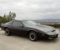 Movie and TV car customizer Red Harden is selling one of the Pontiac Firebird Trans Ams used in the original Knight Rider TV series. Red modded the car in Kitt Car, Classic Tv, Classic Cars, Kitt Knight Rider, K 2000, Replica Cars, 80 Tv Shows, Under The Hammer, Dragon Knight