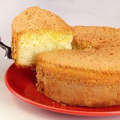 Pão de Ló com 3 Ingredientes Basic sponge cake recipe made with eggs and cornstarch. Basic Sponge Cake Recipe, Sponge Cake Recipes, Cookie Recipes, No Bake Lemon Cheesecake, French Dessert Recipes, Buzzfeed Tasty, Star Cakes, Bowl Cake, Pecan Nuts