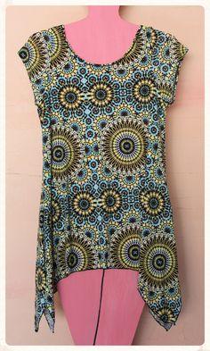 Vestido de manga corta con estampado geométrico. Talla única. Medidas del vestido (cm): Pecho 42, Largo 72 95% Algodón y 5% Spandex Precio: 6€