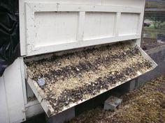 chicken coop: tipping poop board